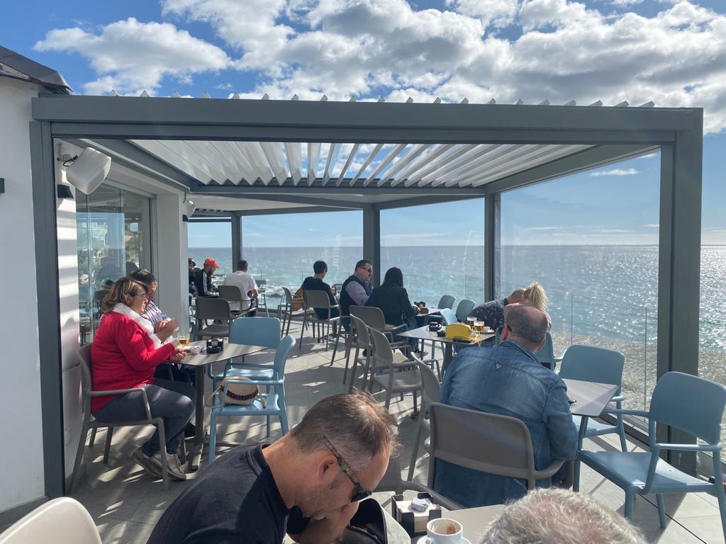 pergola-bioclimatica-restaurante18