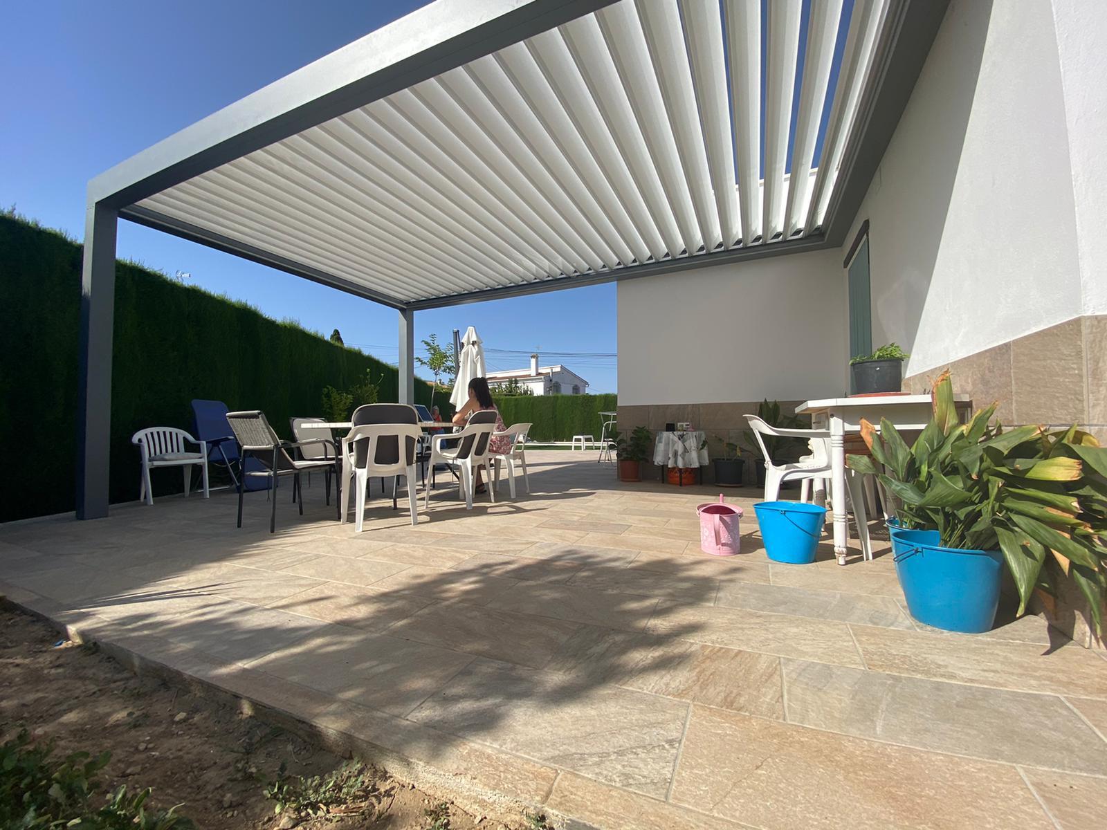 oficina-jardin-pergola-bioclimatica2